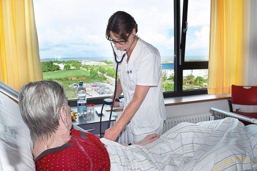 Freundlich, verständnisvoll, geduldig: Die menschliche Seite im Umgang mit Patienten  spielt eine besonders wichtige Rolle. Foto: Schwarzwälder Bote