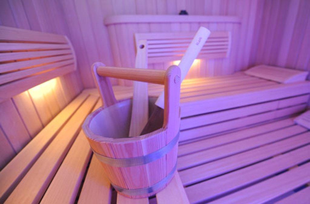 blaulicht aus stuttgart 5 januar in der sauna vor kindern onaniert nachrichten. Black Bedroom Furniture Sets. Home Design Ideas
