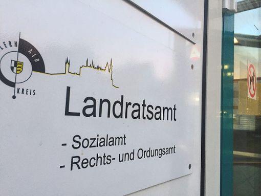 Das Sozialamt des Landkreises: Dort hatte eine Mitarbeiterin massiv betrogen. Das Urteil gegen die Frau ist nun rechtskräftig. Foto: Maier