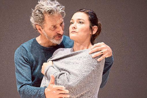 In den Hauptrollen von Zorn  sind Rufus Beck und Jacqueline Macaulay zu erleben.   Foto: Lahola Foto: Schwarzwälder-Bote