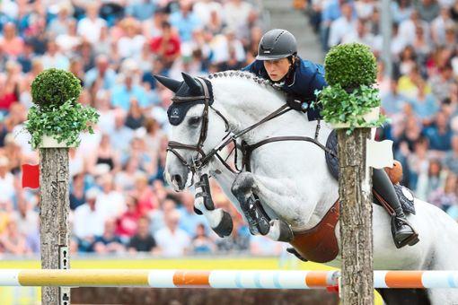 Kennt das Turnier seit Kindheitstagen und will um den Sieg im Großen Preis mitreiten: der Schweizer Martin Fuchs.   Foto: Eibner