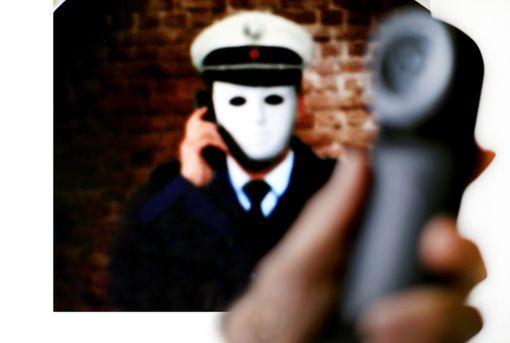 Falsche Polizisten haben eine Seniorin aus Freudenstadt um mehrere tausend Euro betrogen (Symbolbild). Foto: Gerten