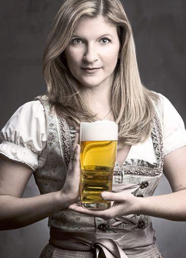 Ein Herz für den Gerstensaft: Unter anderem mit diesem Foto hat sich Debora Jetter um den Titel der baden-württembergischen Bierkönigin beworben. Foto: Artphotography/Luger