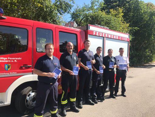Sebastian Heussler (von links), Marc Burkard, Manuel Wodzisz, Patrick Kohl, Patrick Bühl und  Rainer Knoblauch   Foto: Feuerwehr Foto: Schwarzwälder Bote