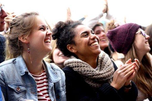 Auch am letzten Festivaltag herrscht auf dem Southside ausgelassene Stimmung. Foto: Andrina Große