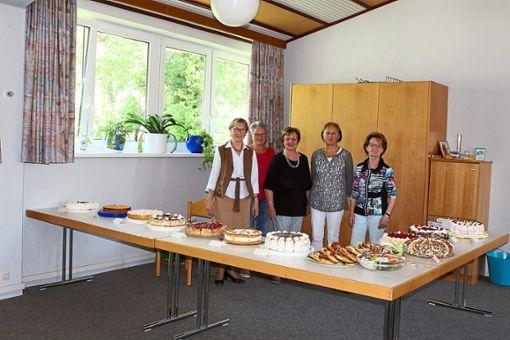 Prächtig: das Kuchen- und Tortenbuffet  Foto: Böhme Foto: Schwarzwälder Bote