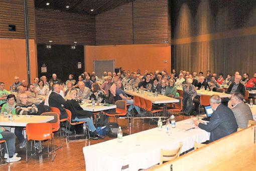 Auf großes Interesse stieß der Info-Abend im Kurhaus bei den Bürgern.   Foto: Hering Foto: Schwarzwälder Bote