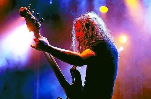 Ryan Ball, Bassist und Sänger der Pink-Floyd_Coverband »The Machine«. Foto: Fritsch