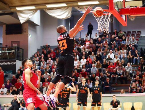 Rasheed Moore zählte in Gießen erneut zu den großen Stützen im Schwenninger Spiel. Foto: Eibner