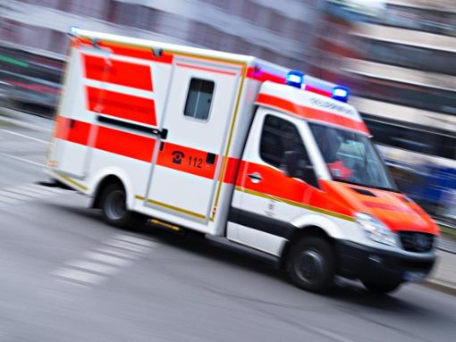 Auf der A 81 in Richtung Stuttgart ist es zu einem schweren Unfall gekommen. Ein Motorrad-Fahrer wurde lebensgefährlich verletzt. (Symbolfoto) Foto: dpa