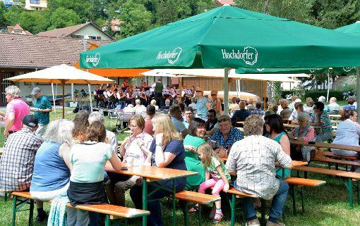 Der Musikverein Bittelbronn spielte zur Unterhaltung im Alten Freibad auf.  Foto: Morlok Foto: Schwarzwälder-Bote