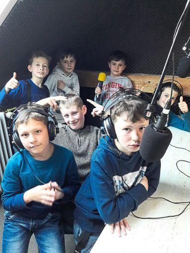 Zu Gast beim Freien Radio Freudenstadt war die Jungengruppe der Wilhelm-Münster-Schule.  Foto: Müller Foto: Schwarzwälder Bote