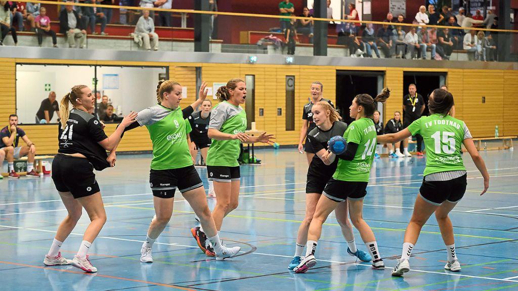Handball: Erste Saisonniederlage - Handball - Schwarzwälder Bote