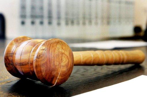 Nach dem qualvollen Tod des dreijährigen Alessio im Schwarzwald ist der Stiefvater des Jungen zu sechs Jahren und zwei Monaten Gefängnis verurteilt worden. (Symbolfoto) Foto: Deck