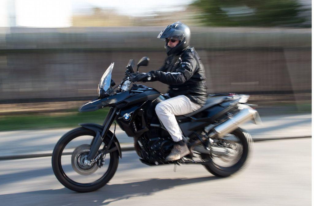 Horb: Unfall auf B 32: Motorradfahrer schwer verletzt