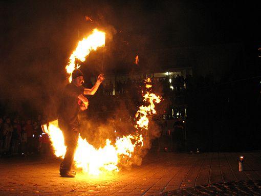 Der Circus of Fire aus Sigmaringen beehrt auch in diesem Jahr die Tailfinger Lichternacht. Foto: Schwarzwälder-Bote