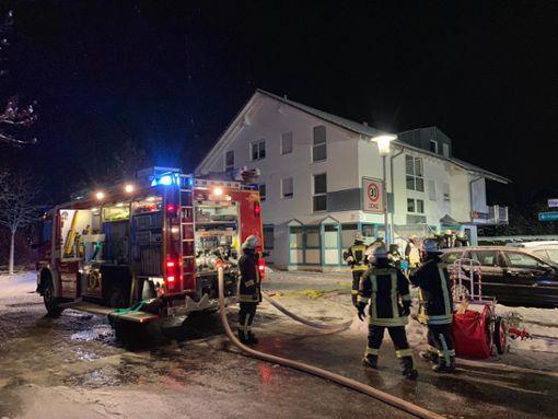 Am Mittwochabend rückte die Feuerwehr zu einem Brand in der Pfarrer-Huber-Straße aus. Foto: Nädele