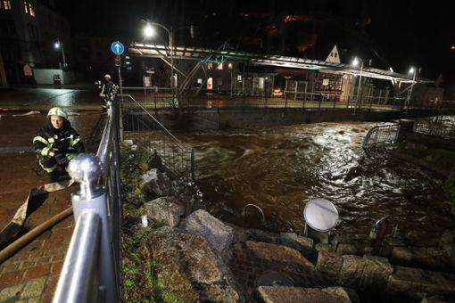 Heftiger Dauerregen und Schmelzwasser sorgte in Furtwangen dafür, dass die Bäche und Flüsse teilweise über die Ufer traten.  Foto: Marc Eich