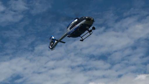 Auch mit einem Polizeihubschrauber wird nach dem vermissten Mädchen gesucht. (Symbolfoto) Foto: kamera24.tv