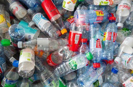 Wegen zu vieler Pfandflaschen kam es an einem Automaten in Karlsruhe zu einer Schlägerei. (Symbolfoto) Foto: dpa