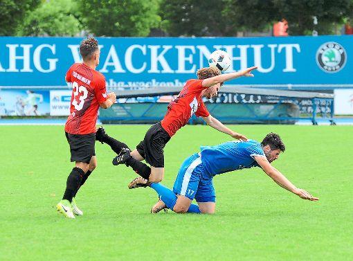 Nach dem Stolperer im WFV-Pokal beim VfL Nagold (2:3) hoffen die Fußballer der TSG Balingen auf einen besseren Start in der Oberliga, wenn es am Samstag gegen Backnang geht. Foto: Eibner