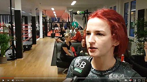 Nadine Grad trainiert zur Zeit fleißig für einen Fitness-Duell gegen die Ex-Boxweltmeisterin Regina Halmich. Screenshot: sb