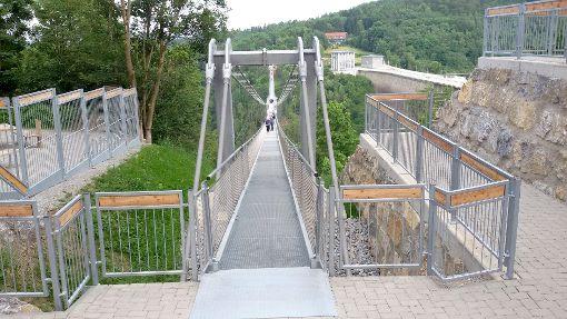 Die Rappbodetalsperre in Sachsen-Anhalt ist die derzeit längste Fußgänger-Hängebrücke.  Foto: Dilger Foto: Schwarzwälder-Bote