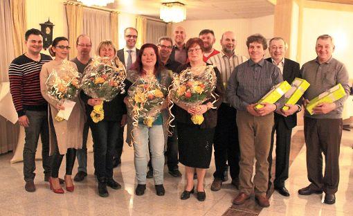 Die in Bad Dürrheim ansässige Motherson Orca Precision Technology ehrte 18 Mitarbeiter für langjährige Betriebszugehörigkeit.  Foto: Firma Foto: Schwarzwälder-Bote