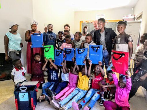 Lesen lernt man durch Übung. Das Children's Book Network bietet den Kindern dazu die Gelegenheit.  Foto: Rotary-Club Foto: Schwarzwälder Bote