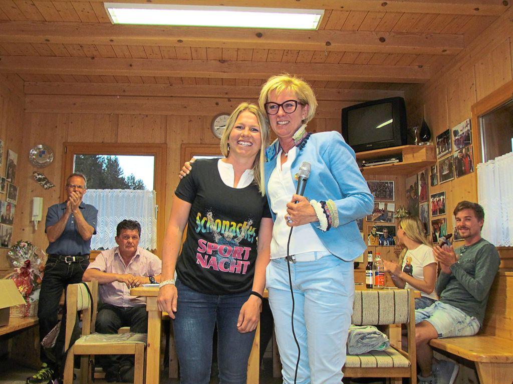 Beim Winterabschluss Feiern Die Athleten Des Skiteams Schonach