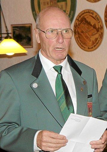 Bezirkssportleiter Klaus Seifert aus Herrenberg wurde exakt 73 Jahre alt.   Foto: Kraushaar Foto: Schwarzwälder-Bote