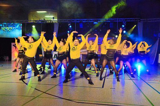 Als  Überflieger der Profiliga M-Reihe präsentierte sich die Formation San'sick vom Gio Dancestudio. Foto: Schwark