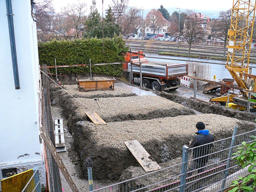 Bevorzugt Das Fundament für den Anbau ist gelegt. Dieser soll Platz für eine JM37