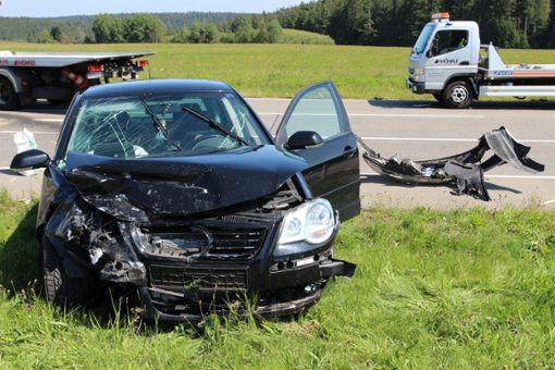 Zwei Personen wurden bei dem Unfall verletzt. Foto: Sannert