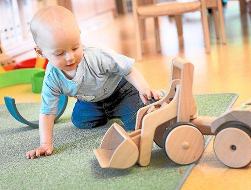 Seit 2015 steigen die Geburtenzahlen im Landkreis Calw  wieder. Das führt zu einem höheren Betreuungsbedarf.   Foto: Archiv Foto: Schwarzwälder Bote