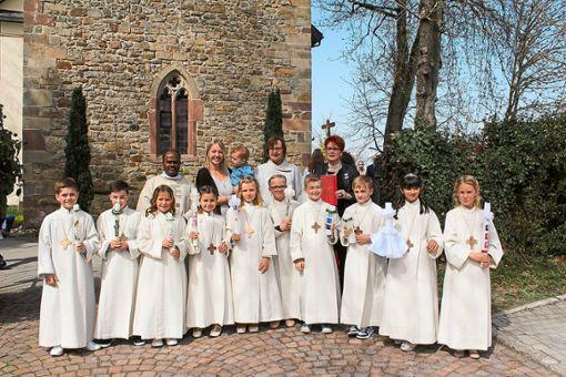 Suche Frieden – unter diesem Motto fand der Erstkommunion-Gottesdienst in St. Otmar in Hochmössingen statt. Zehn Kinder feierten zum ersten Mal ihre heilige Kommunion.  Foto: Graf
