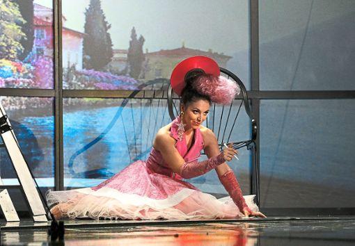 Danielle Rohr als Rosina  Foto: Theater Pforzheim Foto: Schwarzwälder Bote