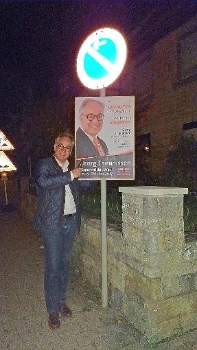 Georg Theunissen hat sogar Plakate in Empfingen aufgehangen.   Foto: Theunissen Foto: Schwarzwälder-Bote