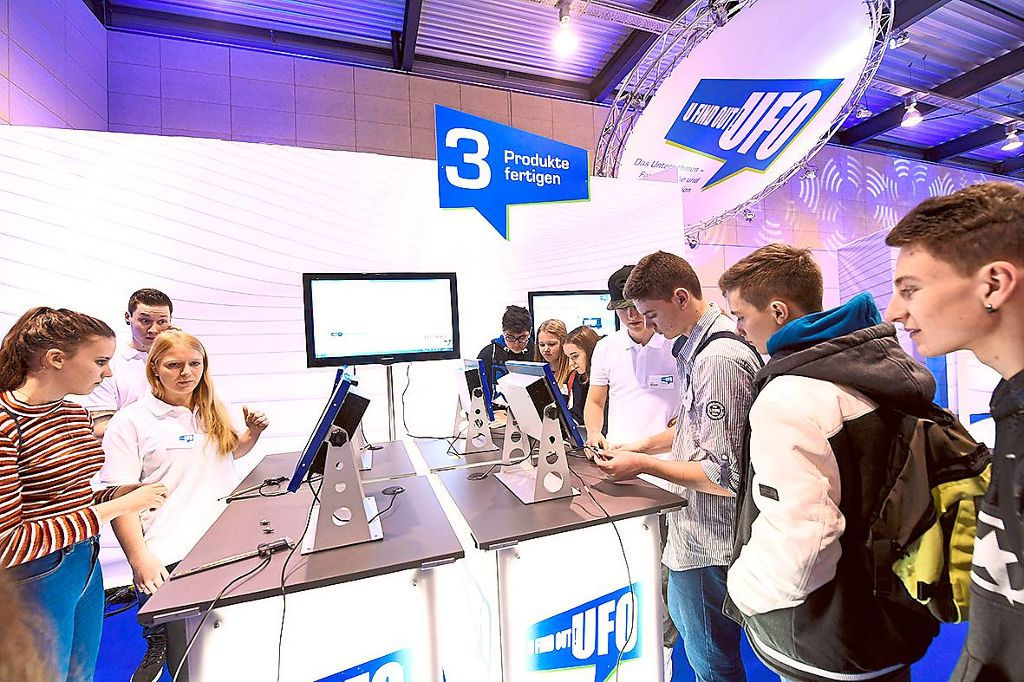 In der Sonderschau UFO werden am Donnerstag und Freitag mehr als 1200 Schüler Einblicke in ein virtuelles Unternehmen bekommen. Foto: SMA Foto: Schwarzwälder Bote