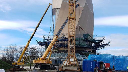 Am Dienstag wurde die Arbeitsplattform am Test-Turm abmontiert. Foto: (nil)