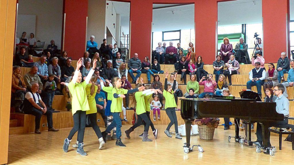 Calw: Nachwuchschöre zeigen, dass gemeinsames Singen Freude bereitet - Calw - Schwarzwälder Bote