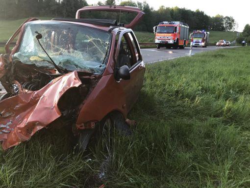 Bei dem Unfall auf der B 27 wurden zwei Autofahrer verletzt, einer davon schwer. Foto: Andreas Maier
