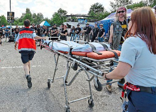 Unterwegs, um Metallern Hilfe zu leisten: die ehrenamtlichen Helfer des Roten Kreuzes. Foto: Engelhardt