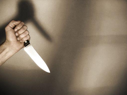 Eine der Frauen zückte plötzlich ein Messer. (Symbolfoto) Foto: Falko Matte/Fotolia.com