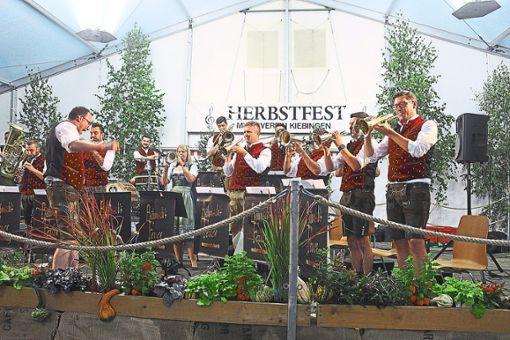 Die musikalische Unterhaltung kam beim Herbstfest nicht zu kurz.   Foto: Baum Foto: Schwarzwälder Bote