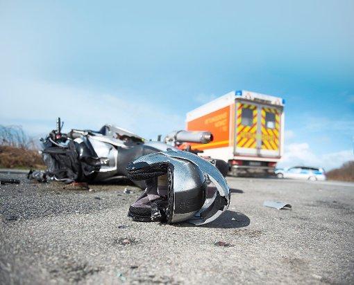 Bei einem Unfall in Schömberg wurde ein Motorradfahrer schwer verletzt. (Symbolfoto) Foto: Fotolia/ benjaminnolte