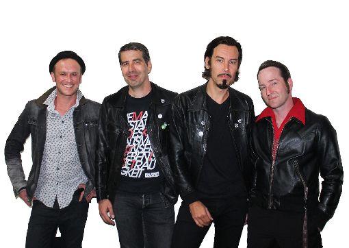 Sind Rockstars geblieben, und Kumpels sowieso: Bernd Fauler, Matze Ulrich, Daniel Schandock und Jens Wilde (von links) stehen am Freitag und Samstag wieder als Wendy Bones auf der Bühne.  Foto: Müller