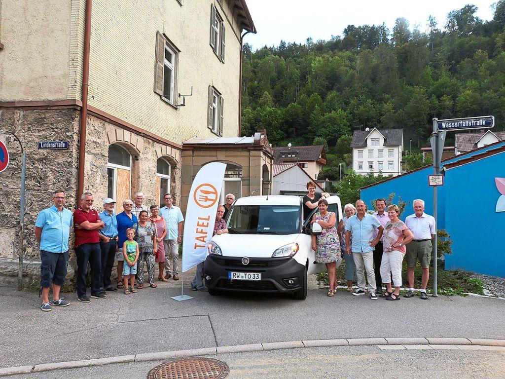Oberndorf a. n.: tafelladen: neuer lieferwagen dank spenden