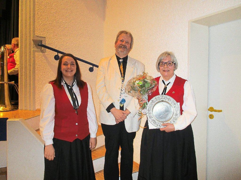 Dauchingen: Außergewöhnliche Ehrung für Cornelia Hauser - Dauchingen ...