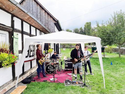 Die vier Musiker der Oberndorfer Band BEBO 104 spielen beim Sommerfest.  Foto: Luisenheim Foto: Schwarzwälder Bote